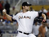 Marlins anotan 4 en la 10ma y ganan